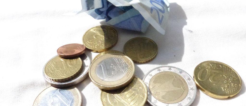 160726_flickr_Metropolico-org_Geld-das-keines-ist-Euro